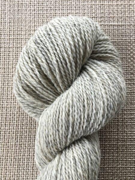 #02 medium -  lys grå