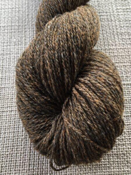 #06 tynd -  brun